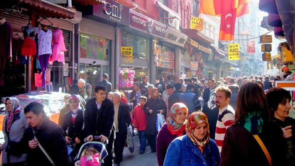 Istanbul market street. Photo: flickr/John Walker