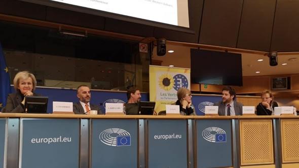Angelina Eichorst (EEAS) – Arben Hajrullahu – Thomas Waitz (MEP) – Sonja Biserko – Adnan Cerimagic – Adelheid Wölfl. Photo: ESI