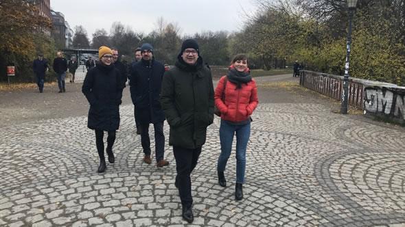 At a walk in Görlitzer Park. From left to right: Malgorzata Szuleka, Piotr Buras, Adam Bodnar, Magdalena Milenkovska. Photo: ESI