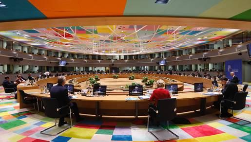 Photo: European Union. https://newsroom.consilium.europa.eu/events/20200718-special-european-council-july-2020-day-2/special-european-council-roundtable-18-07-20-bruxelles-18-07-20/106404