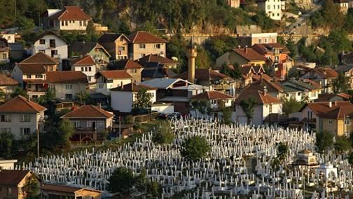 Alifakovac Cemetery in Sarajevo. Photo: Alan Grant