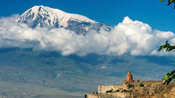Khor Virap Monastery and Mount Ararat. Photo: Wikipedia Commons